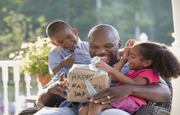 Celebrate the Spirit of Fatherhood by Online Father's Day Gift